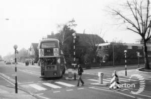 Worple Road, Wimbledon: Junction with Raymond Road