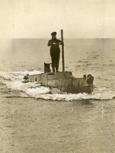 Midget submarine