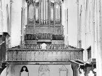 Mitcham Parish Church: Organ and interior