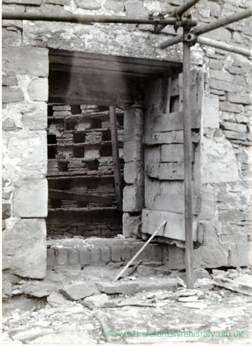Stoke Bliss, Netherwold Manor, C14th dovecote 1965