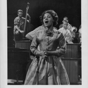 674 - Cleo Laine singing