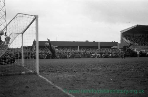 Ronnie Radford equalising for Hereford United v Newcastle, Feb 1972.