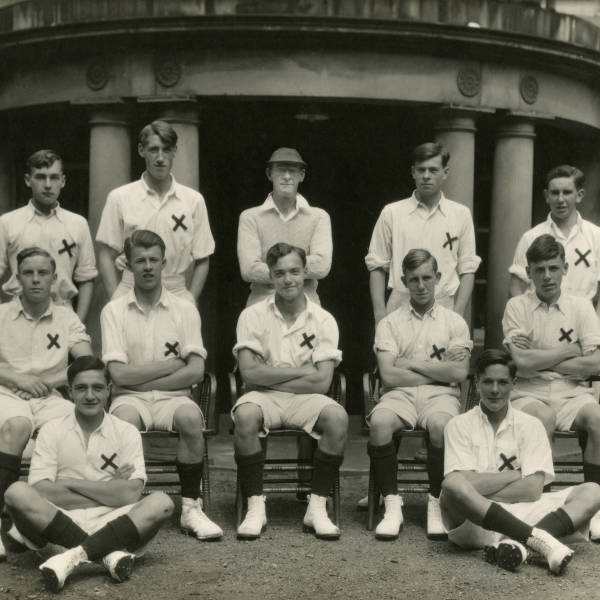 Cricket_1946_Loretto-1st-XI.jpg