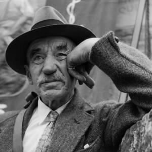 084 - Portrait of elderly man wearing trilby