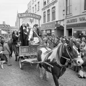 A horse drawn wagon at the opening of the May Fair in 1975.