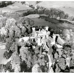 Li15191 Aerial Photograph of Eastnor Castle 1972038.jpg