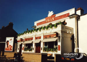 Swan Inn, London Road