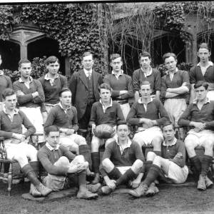 G36-476-05 Hereford Cathedral School Rubgy fifteen with master. 1922.jpg
