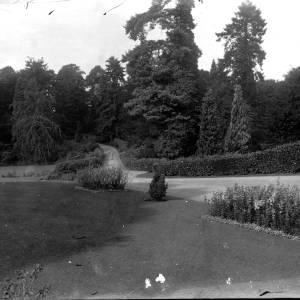 G36-325-14 Landscaped garden.jpg