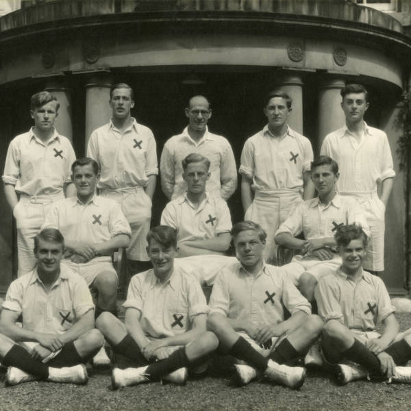 Cricket_1943_Loretto-1st-XI.jpg