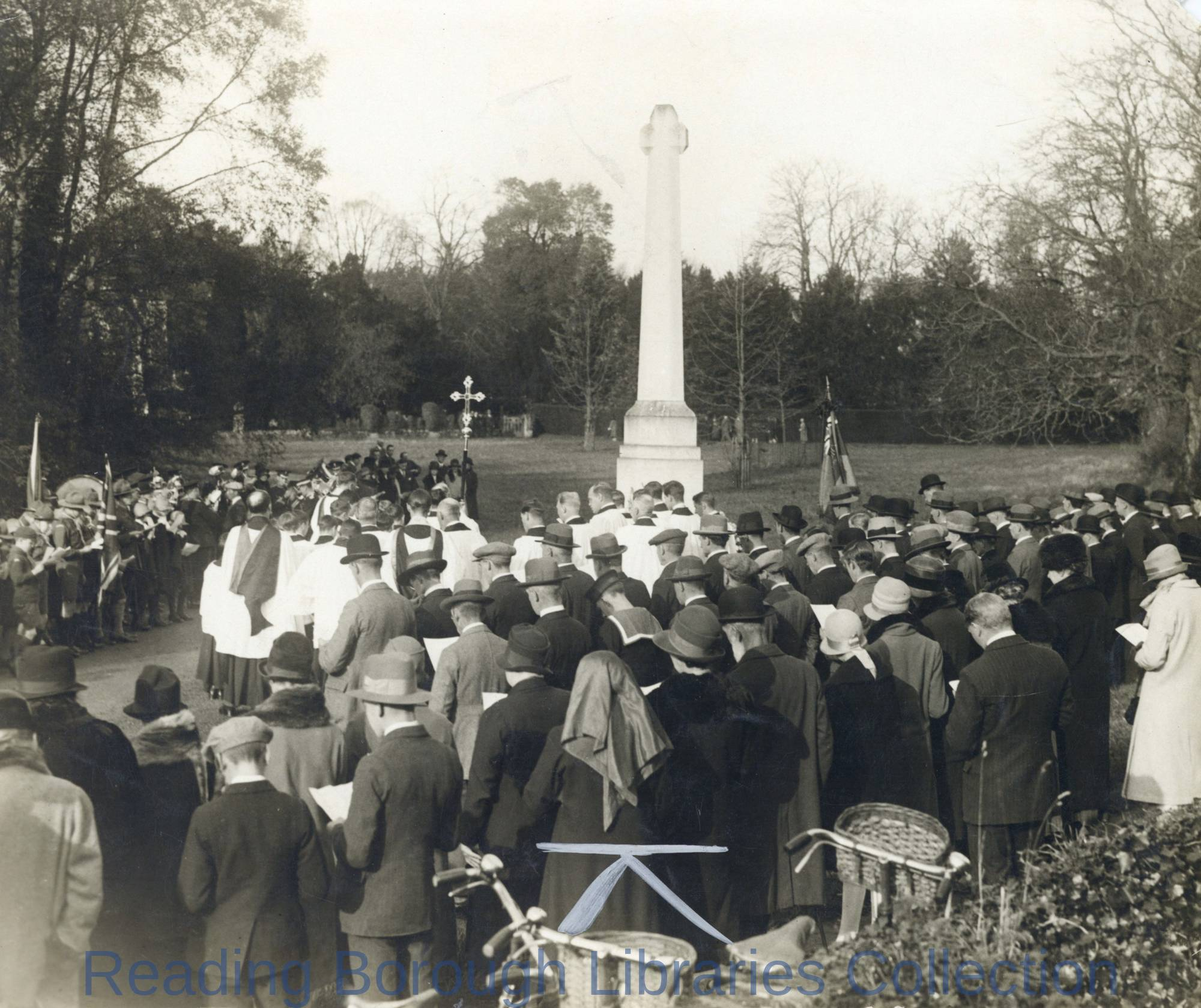 Remembrance Day service at the War Memorial, Wargrave, 1927.