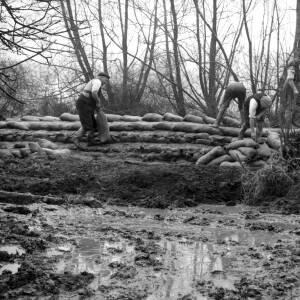 Flood defences at Hampton Bishop, Hereford.