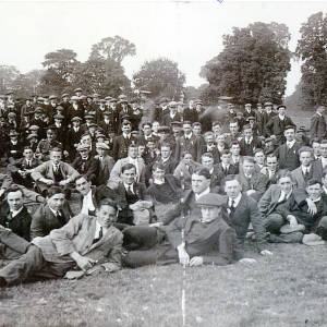 Service volunteers on Castle Green, Hereford, 1914