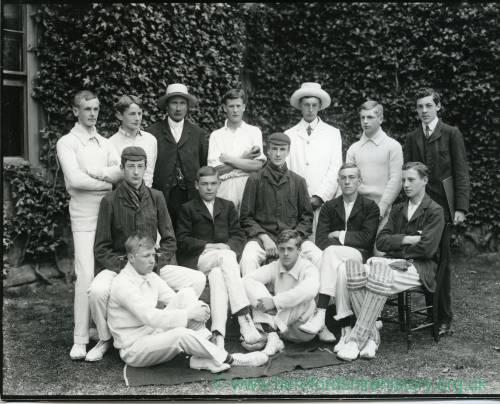 G36-026-01 Hereford Cathedral School cricket team.jpg