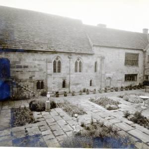 Brinsop Court, Herefordshire, courtyard