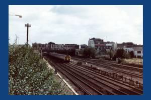 Wimbledon Station, Train leaving