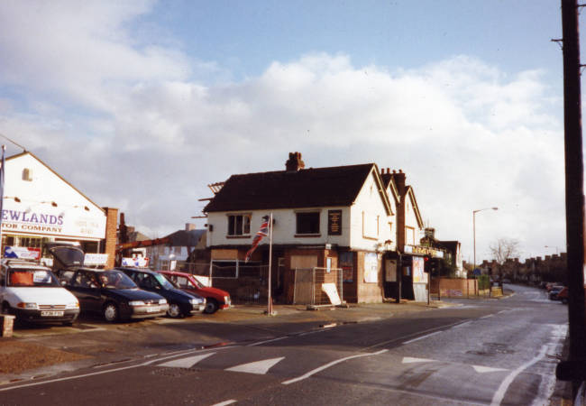 Horse & Groom, Manor Road: Near junction with Tamworth Lane