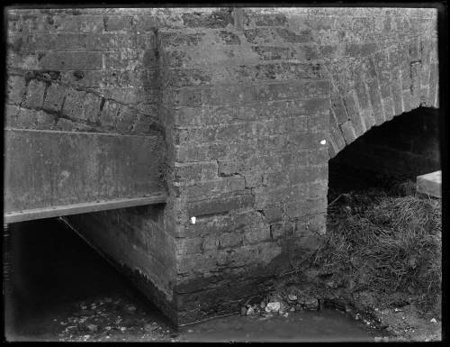 Bridge crossing River Darent