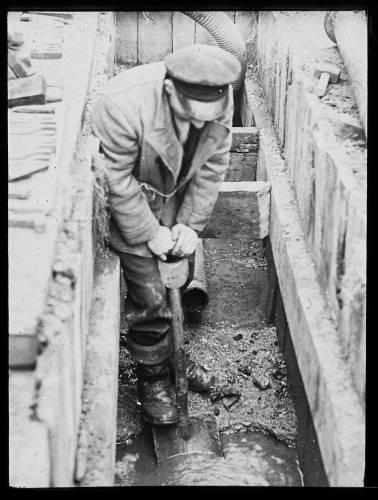 Wet trench excavation