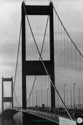 089 - Vehicles on Severn Bridge