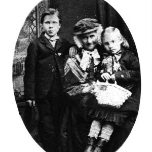 G36-549-04 Elderly lady with a boy and a girl.jpg