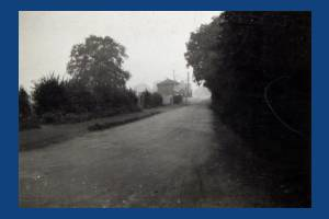 West Barnes Lane, Blue House Railway Crossing, West Barnes