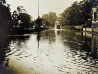 Kingston Road: Flooding as seen from the west