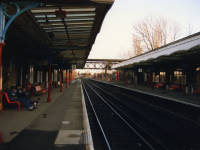 Mitcham Junction Station : View of the platforms