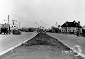 Kingston By Pass, West Barnes: Shannon Corner