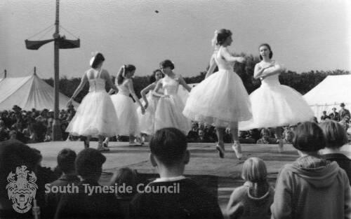 Unknown Dancers.