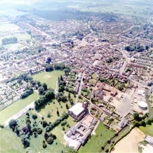 Li11506 Leominster Aerial Photo 1984.jpg