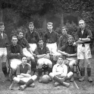 G36-538-04 Hereford Cathedral School football team .jpg