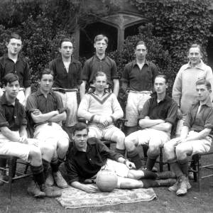 G36-538-05 Hereford Cathedral School football team .jpg