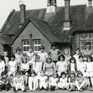 RG1886 Children and teachers outside schoolhouse, 14th July 1983.jpg