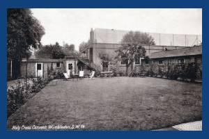 Holy Cross Convent, Wimbledon: Garden