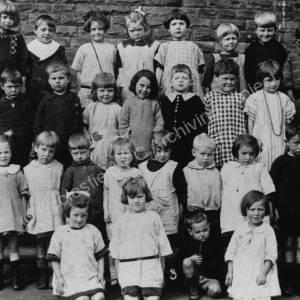 Class from Warren School, 1920s.jpg