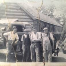 1940s Mr Gadsden and Colleagues in a Farmyard Outside the Chequers Pub Houghton Regis