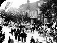 Jubilee parade passing the King's Head, Lower Mitcham