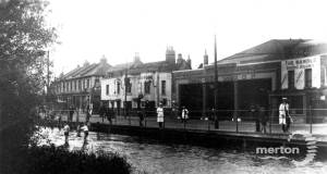 Merton High Street, Colliers Wood: River Wandle