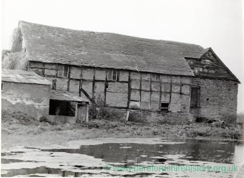 Stoke Bliss, Netherwold Manor, buildings & pond