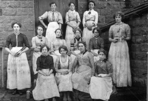 08 Women Weavers
