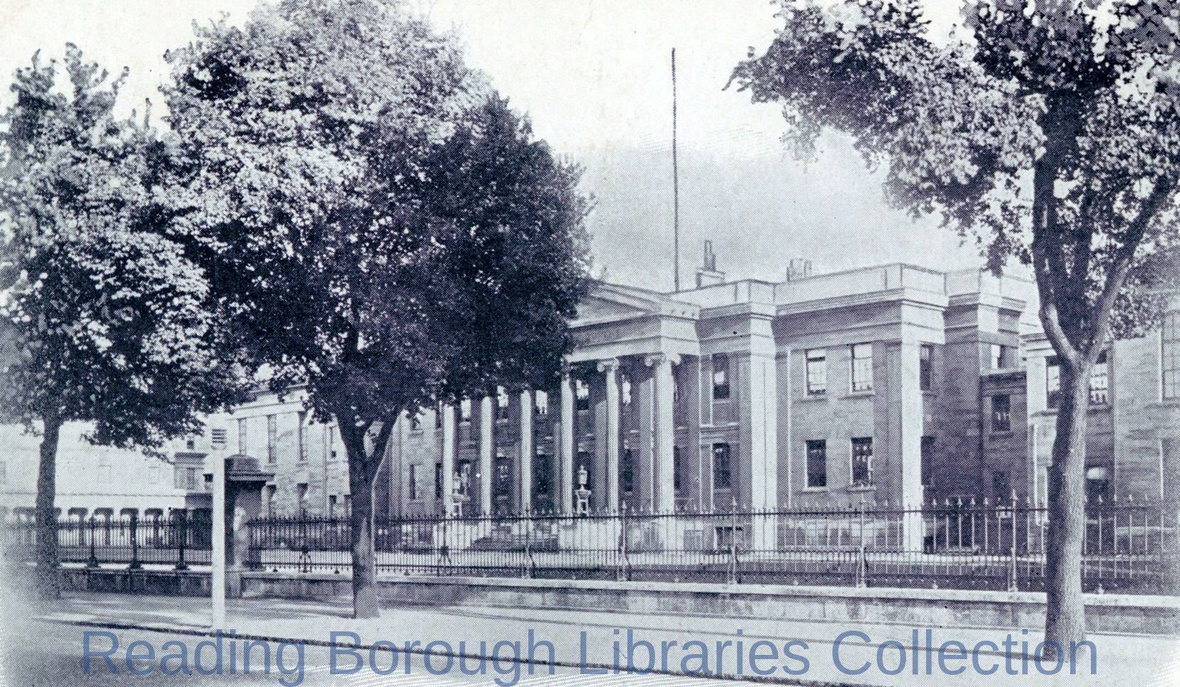The Royal Berkshire Hospital, Reading, c1906. Looking eastwards from across London Road.