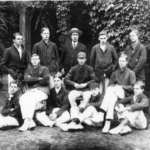 G36-045-02 Hereford Cathedral School cricket team with Dick Shepherd.jpg