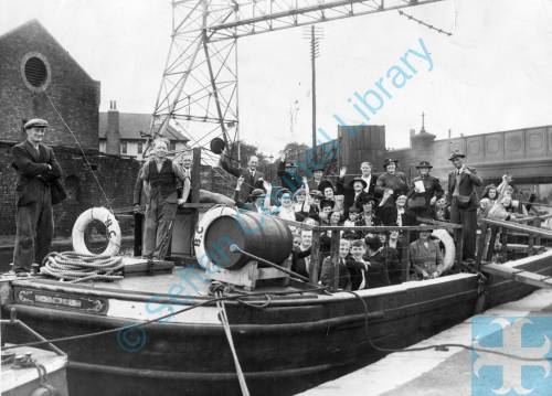 Leeds Liverpool Canal Boat Trip Bootle