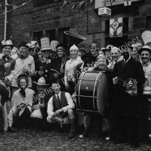 Outside the Queen's Head, Mortomley, on Coronation Day 1953.jpg