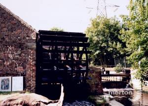 Merton Abbey Mills: Waterwheel