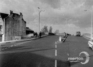 Haydons Road, Wimbledon: Bridge