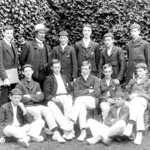 G36-362-07 Hereford Cathedral School cricket eleven with Master and scorer.jpg
