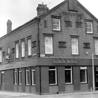 Albion Hotel, Hawthorne Road, Bootle