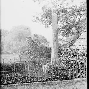 alfred watkins 103 bridstow wilton on wye church cross date 1931.jpg